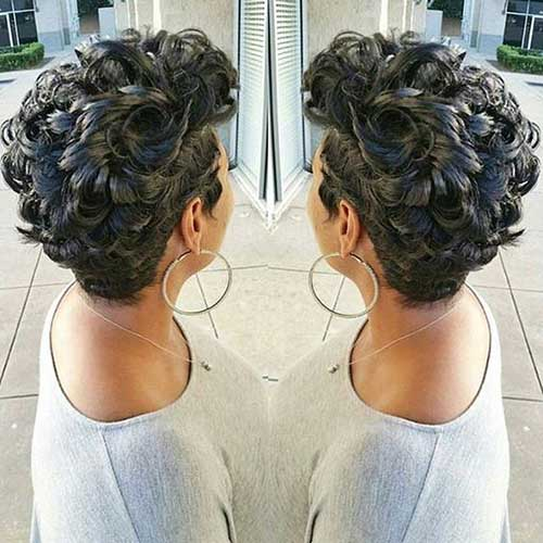 Pixie Cuts for Curly Hairs-7