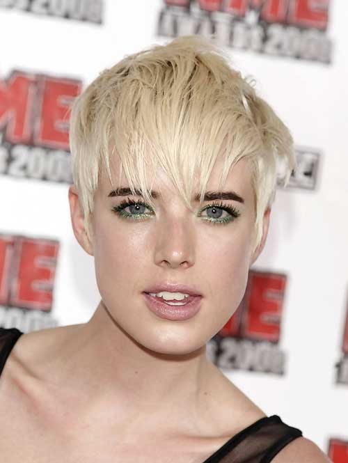 Agyness Deyn Straight Pixie Haircut