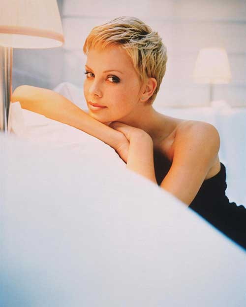 Charlize Theron Casual Pixie Hairstyle