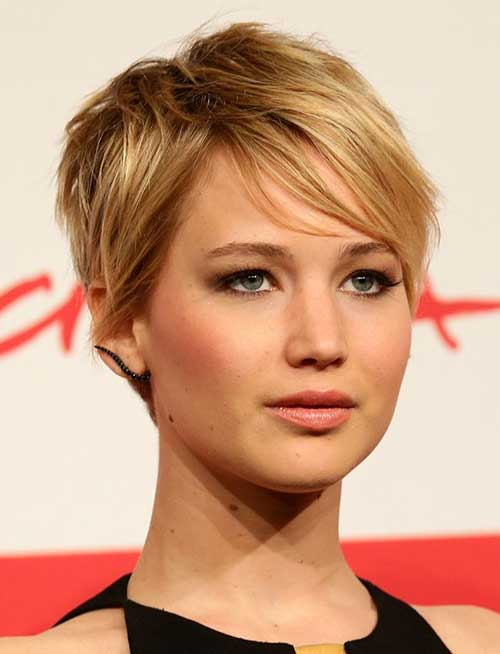Easy Blonde Pixie Cut