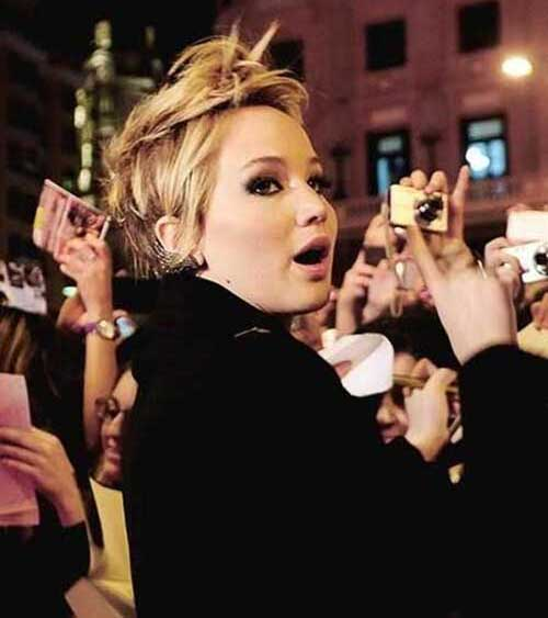 Jennifer Lawrence Messy Pixie Hair Cut