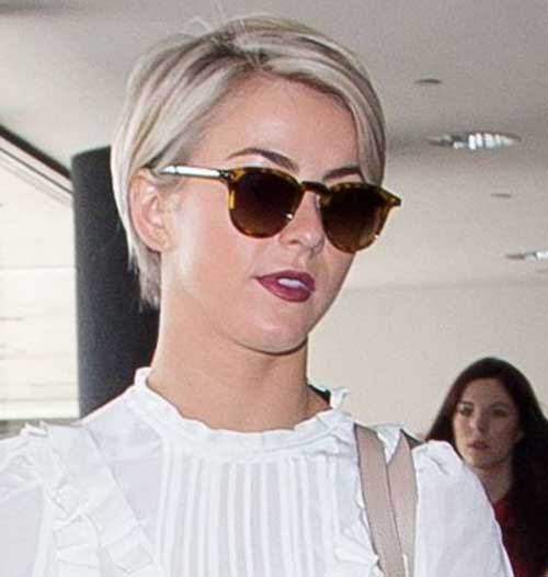Julianne Hough Blonde Pixie Hairstyle