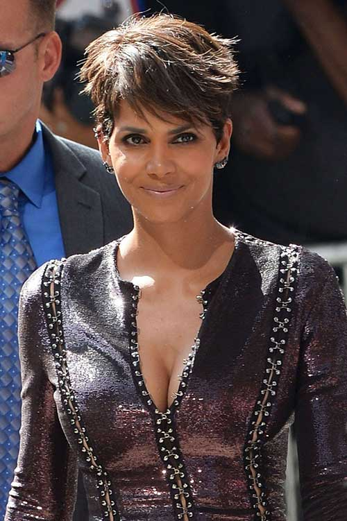 Halle Berry Straight Pixie Hair Cut