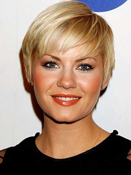 Straight Blonde Pixie Haircut for Round Face