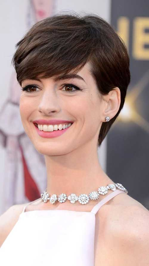 Straight Pixie Cut Anne Hathaway