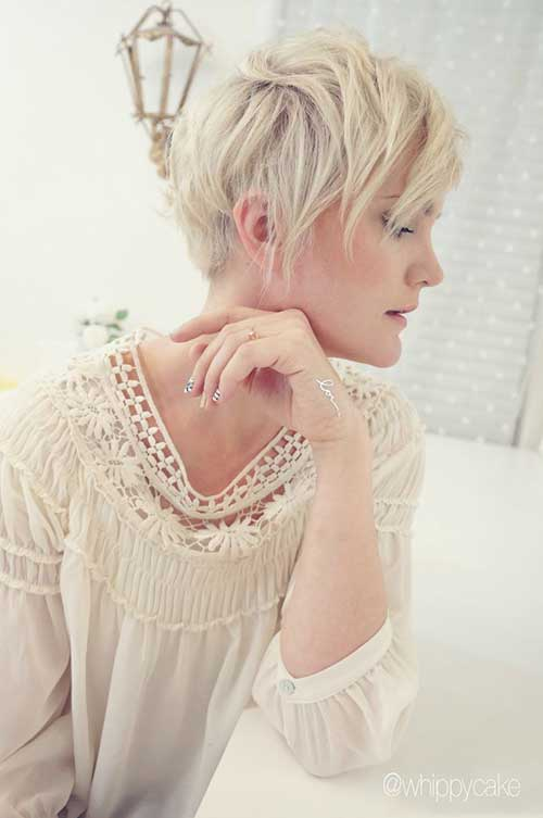 Trendy Blonde Pixie Hairstyles