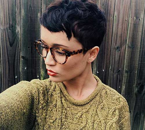 20 Girls with Pixie Cuts