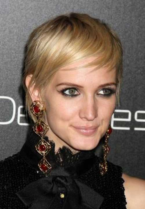 Ashlee Simpson Nice Blonde Hair Pixie Cut