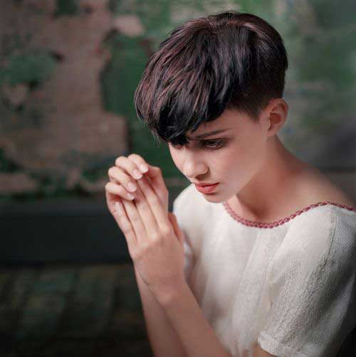 Short Side Pixie Hair Cuts