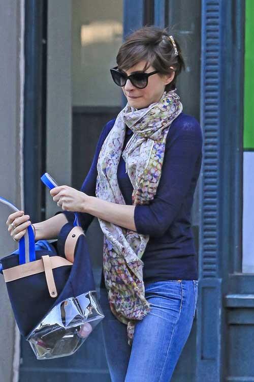 Anne Hathaway Stylish Pixie Hairstyles