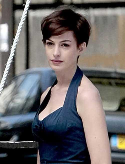 Anne Hathaway one Day Pixie Hair