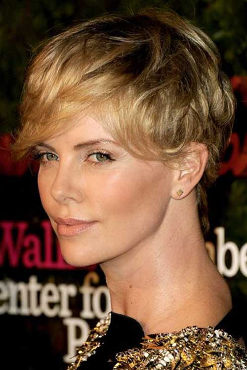 Charlize Theron Nice Pixie Cut
