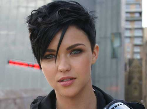 20 Dark Hair Pixie Cut