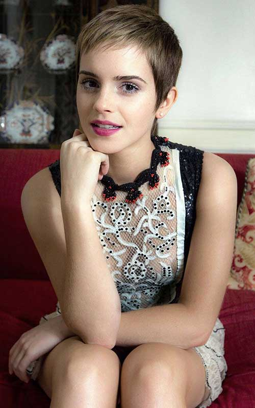 Emma Watson Nice Pixie Haircut