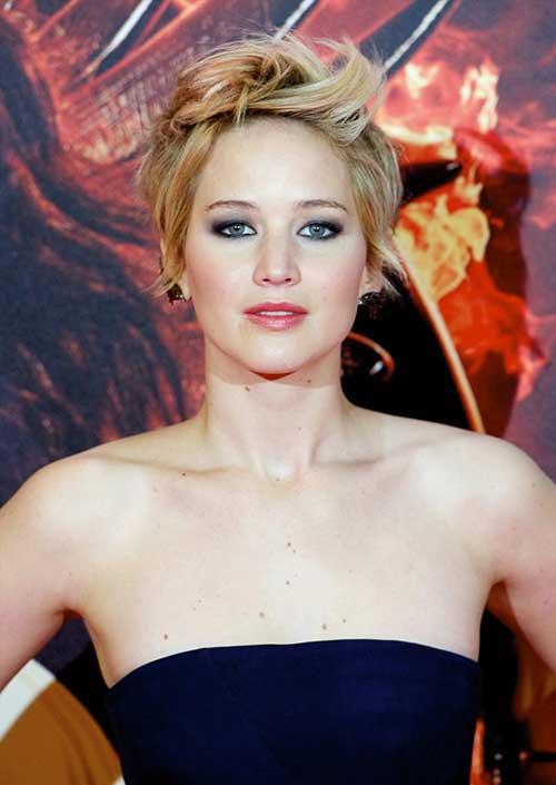 Jennifer Lawrence Chic Pixie Haircut