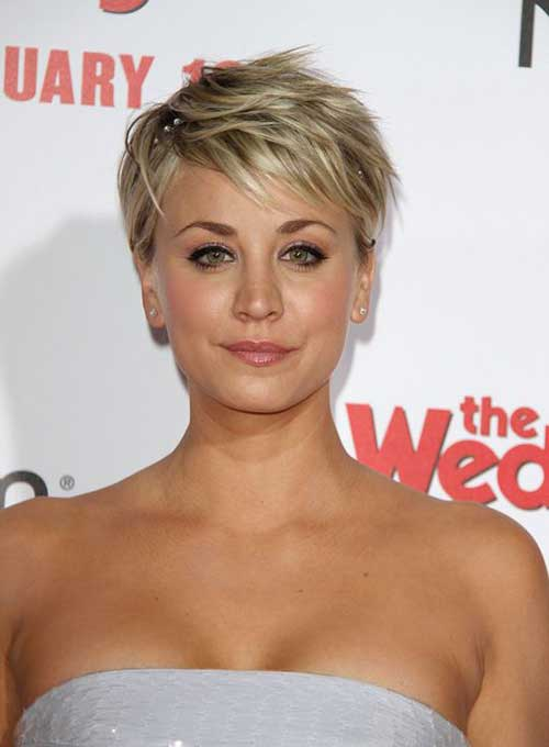Kaley Cuoco Layered Pixie