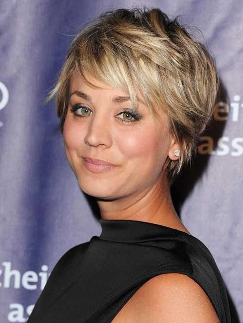 Kaley Cuoco Layered Pixie Haircut