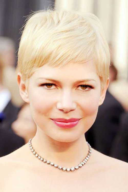 Michelle Williams Chic Pixie Cut