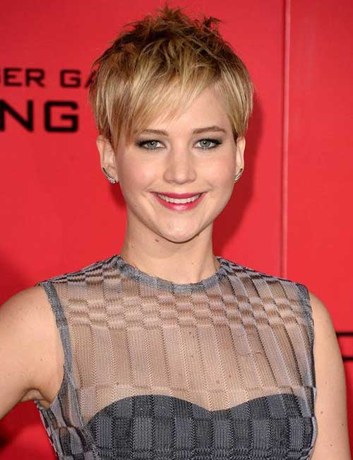 Chic Pixie Haircut for Oval Face Shape