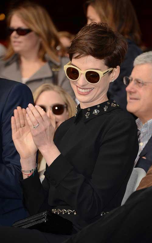 Anne Hathaway Pixie Haircuts-12