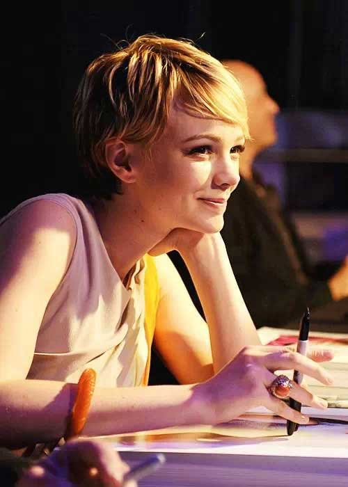Pixie Blonde Hairstyles-12