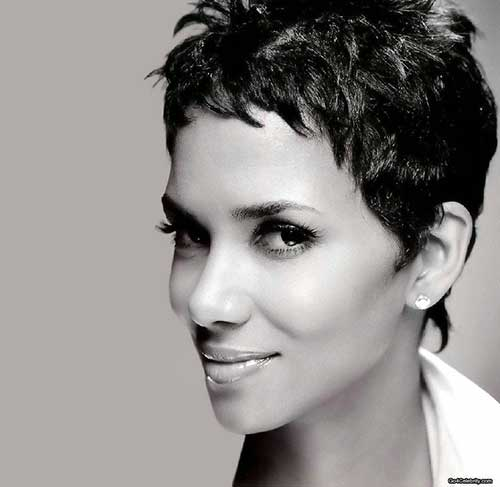 Pixie Cuts Halle Berry-14