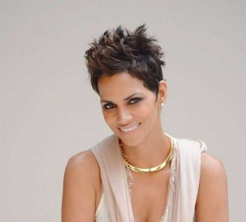 Pixie Cuts Halle Berry-19