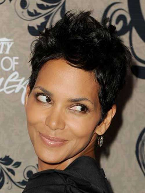Pixie Cuts Halle Berry-20