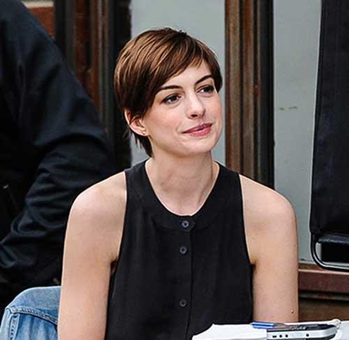 Anne Hathaway Pixie Haircuts-6