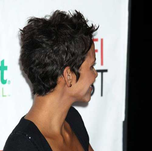 Pixie Cuts Halle Berry-7