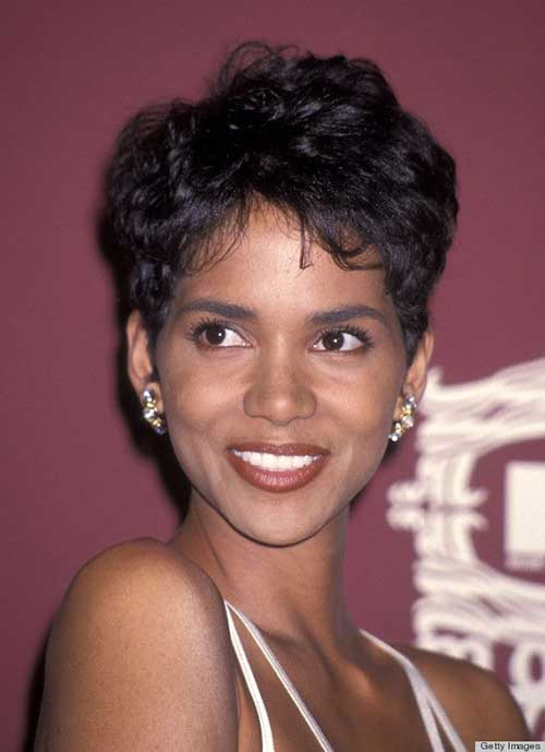 Pixie Cuts Halle Berry-8