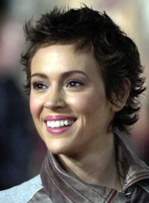 Pixie Haircuts for Wavy Hair-8