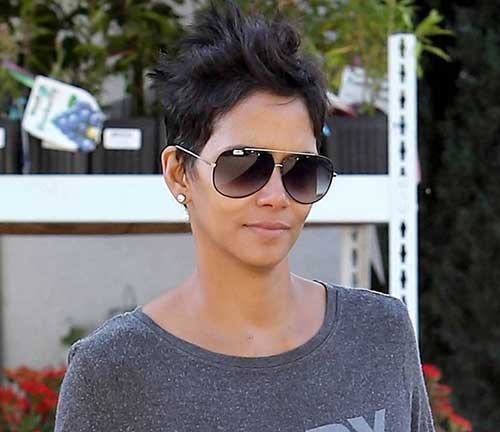 Pixie Cuts Halle Berry-9